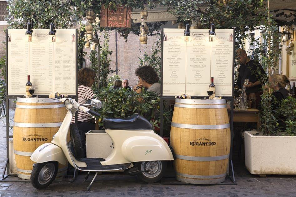 cool restaurants near Rome - Via della Scala luxury apartment