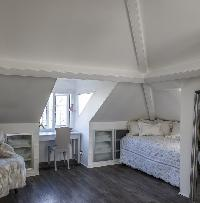 awesome bedroom in London Netherhall Gardens luxury apartment