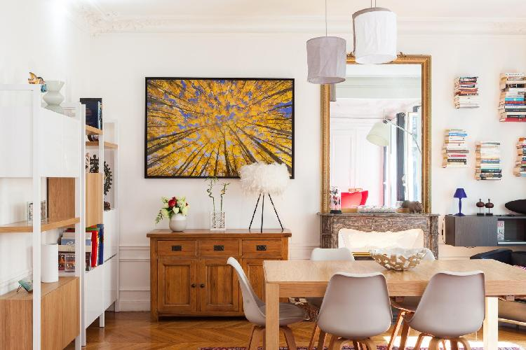 modern and chic Parisian Apartment for 9 in Montmartre Area