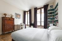spacious Paris - Rue Turbigo luxury apartment