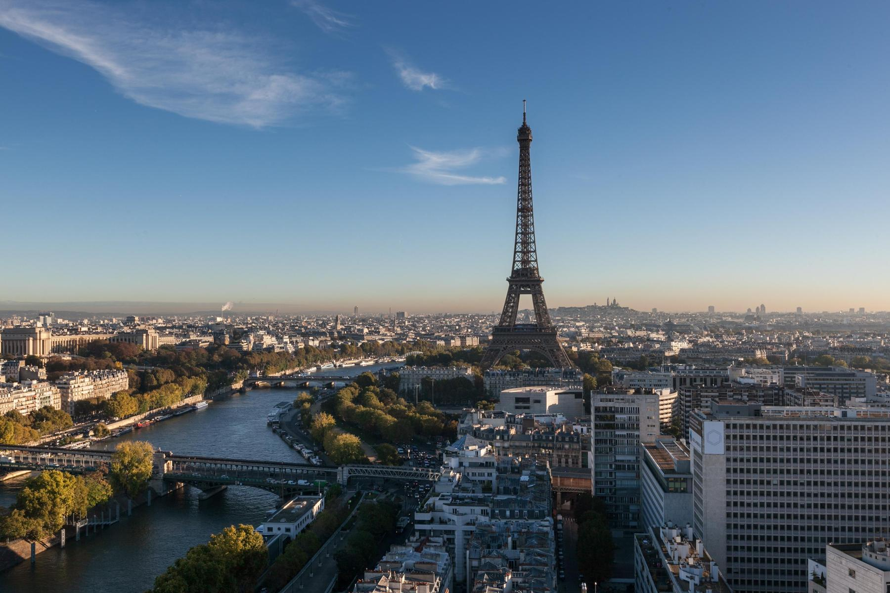 Paris - Quai de Grenelle II