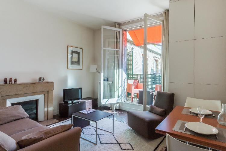 charming Paris - Rue de Varenne II luxury apartment and holiday home
