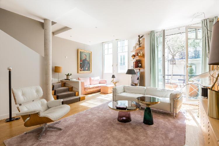 a smart 3-bedroom Paris luxury apartment in Paris' Latin Quarter