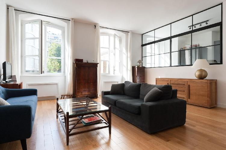 a freshly renovated 4-bedroom Paris luxury apartment