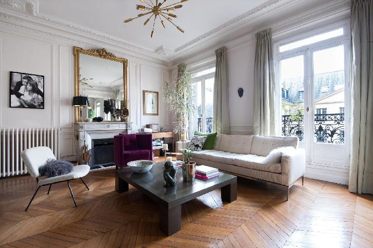 elegant Paris - Rue des Saints-Pères II luxury apartment and holiday home