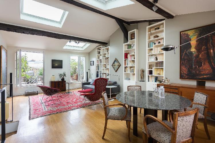 cool skylights of Paris - Rue des Petits Carreaux luxury apartment