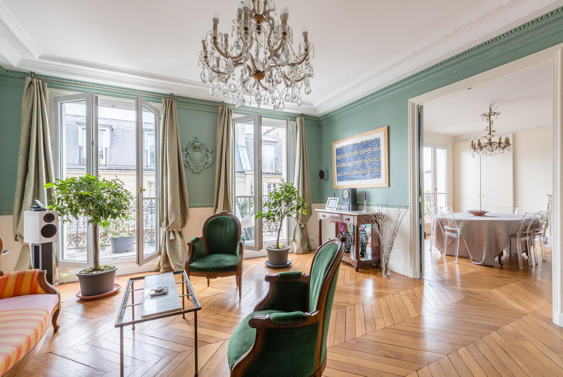 Paris - Rue de Bourgogne III