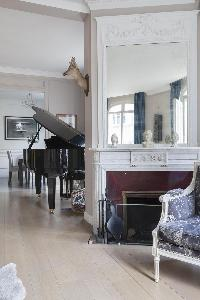 elegant living room in Paris - Rue Scheffer luxury apartment