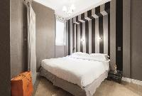 tastefully furnished Paris - Rue Scheffer luxury apartment