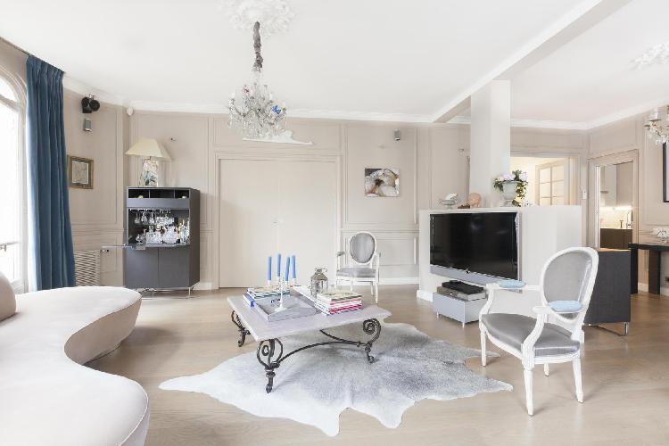 elegant Paris - Rue Scheffer luxury apartment
