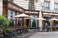 Le Square nearby restaurant in the Louvre Area