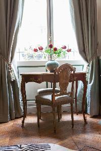 quiet corner in Paris - Rue Scheffer II luxury apartment