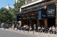 awesome restaurants near Paris - Rue Jean-Pierre Timbaud luxury apartment