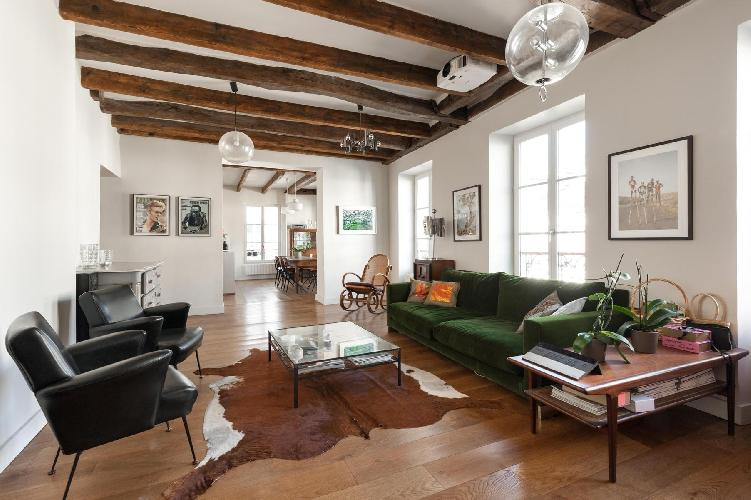 awesome living room of Paris - Rue Jean-Pierre Timbaud luxury apartment