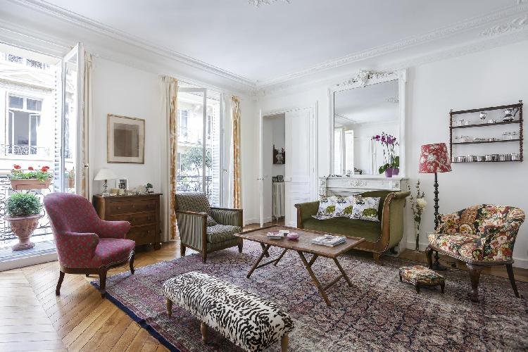 elegant Paris - Rue de Thann luxury apartment and holiday home