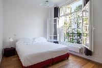 breezy and bright Paris - Rue Michel-Ange II luxury apartment