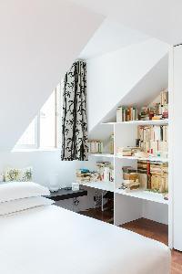 fresh bedroom linens in Paris - Rue Montorgueil luxury apartmen