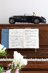 cool upright piano in Paris - Square Alboni luxury apartment