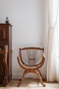 awesome accent chair in Paris - Square Alboni luxury apartment