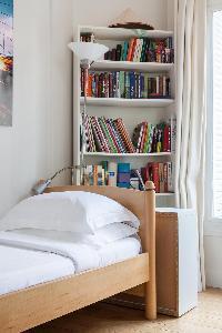 nice bedroom furnishings in Paris - Square Alboni luxury apartment