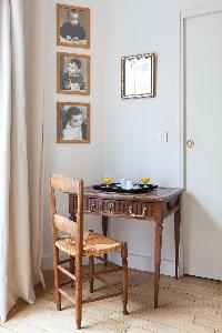 quiet corner in Paris - Square Alboni luxury apartment