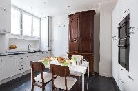nice dining area in Paris - Square Alboni luxury apartment
