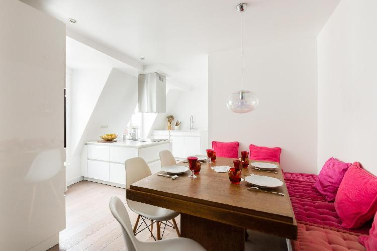 bright and breezy Paris - Rue Saint-Denis luxury apartment