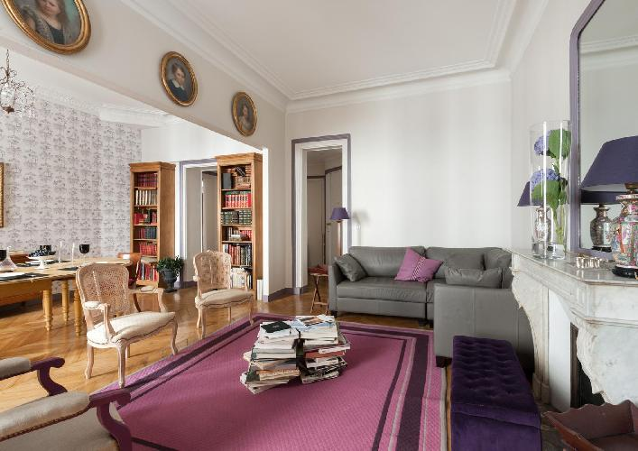 awesome Paris - Rue Saint-Placide luxury apartment and vacation rental