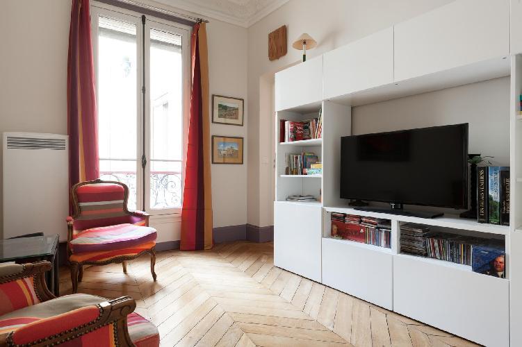 spacious Paris - Rue Saint-Placide luxury apartment