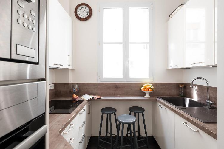 fully furnished Paris - Rue Saint-Placide luxury apartment