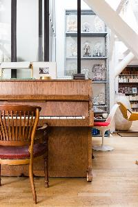 nice upright piano in Paris - Rue Jules César Loft luxury apartment