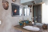 fascinating bathroom accents in Paris - Rue Jules César Loft luxury apartment
