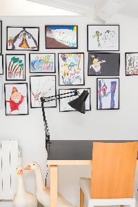 adorable wall art in Paris - Rue Jules César Loft luxury apartment