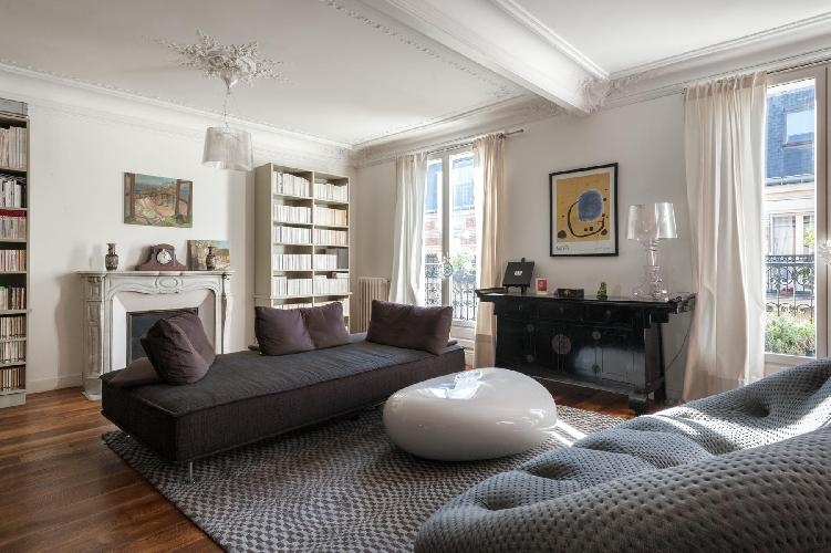 furnished Paris - Rue des Belles Feuilles luxury apartment and vacation rental