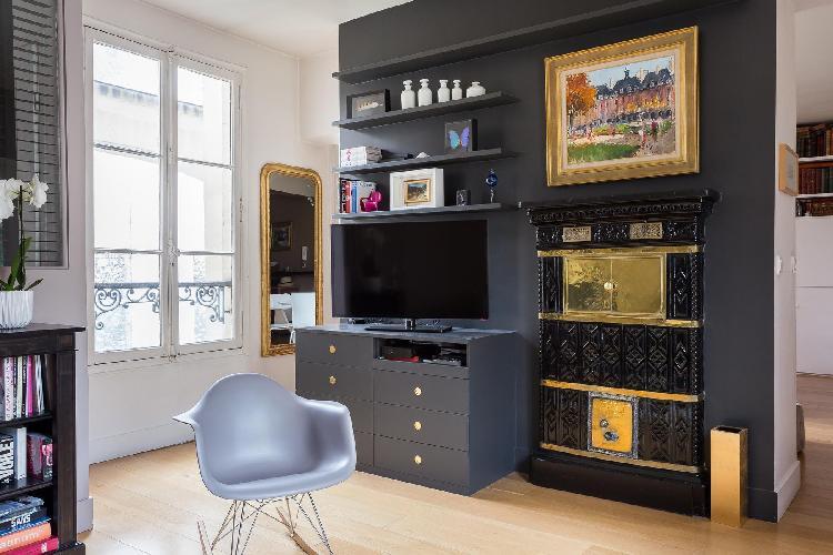 generous windows of Paris - Rue du Vieux Colombier II luxury apartment