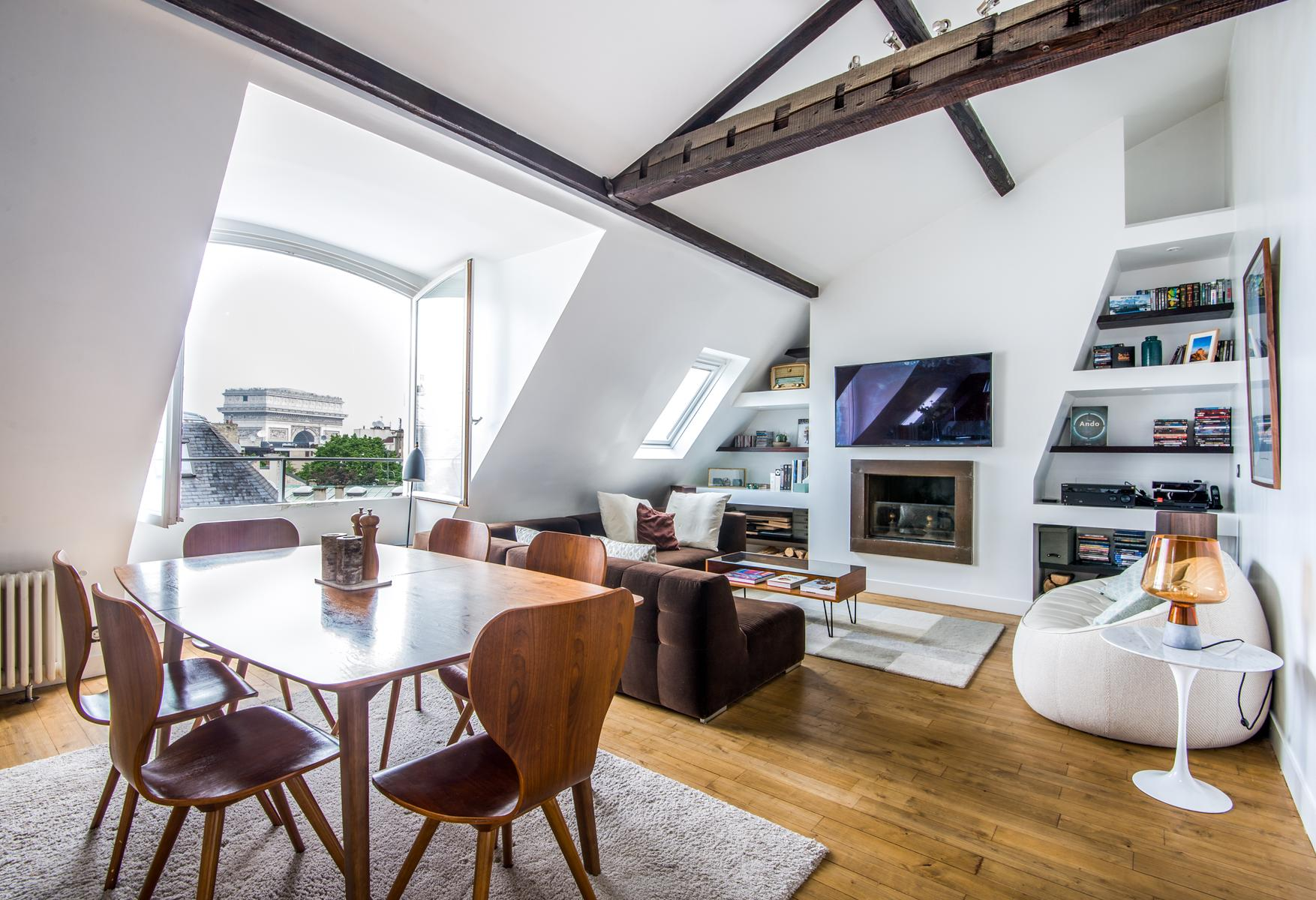 a stylish 2-bedroom Paris luxury apartment overlooking Arc de Triomphe from the window