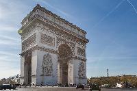Arc de Triomphe close to Paris luxury apartment