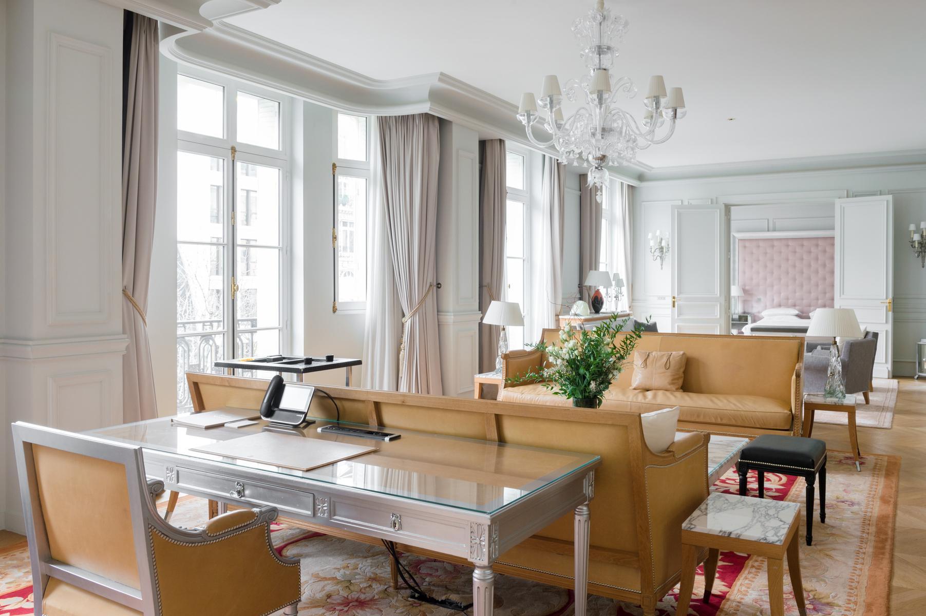 Paris - Avenue Hoche II