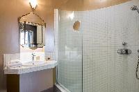 elegant bathroom of Paris - Rue du Faubourg Poissonnière IV luxury apartment