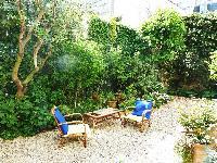 cool patio and garden of Paris - Rue du Faubourg Poissonnière IV luxury apartment