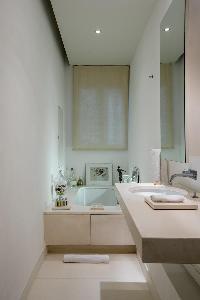 clean interiors of Paris - Rue du Faubourg Poissonnière IV luxury apartment