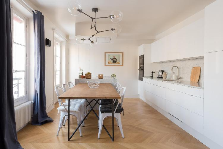 bright and breezy Paris - Rue du Faubourg Saint-Denis II luxury apartment