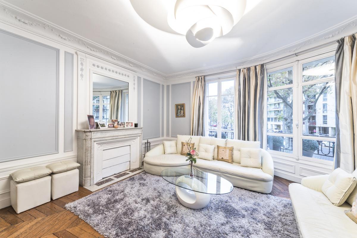 Paris - Avenue de Ségur III