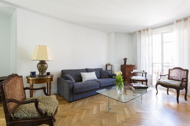 cool Paris - Rue Saint-Romain II luxury apartment and vacation rental