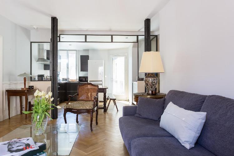 chic and charming Paris - Rue Saint-Romain II luxury apartment