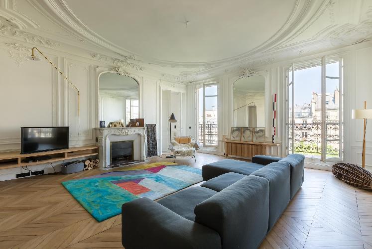 bright and breezy Paris - Rue de Saint-Pétersbourg luxury apartment