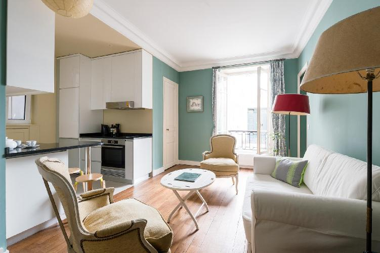 chic Parisian Apartment for 2 in Eiffel tower district