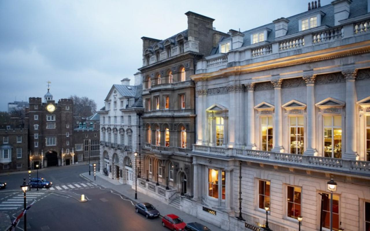 beautiful London Palace View luxury apartment and holiday home