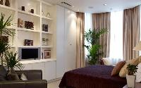 relaxing bedroom in London Palace View luxury apartment