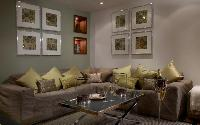 exquisite London Palace View luxury apartment and vacation rental